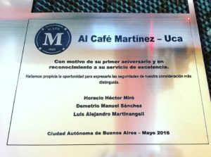 grabado sobre metal cafe martinez